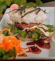 Wildberry 18 Sushi & Indonesian Cafe Ubud
