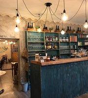 The Curious Cafe & Bistro