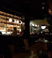 Orilla Bar & Grill