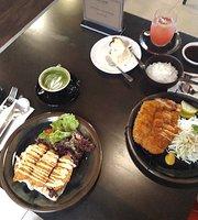 Girlie's Cafe