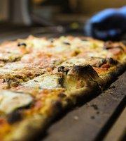 Pizzeria Red Carpet