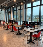 DQ Terrace Bar & Café