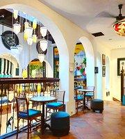 Kawisari Cafe & Eatery