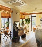 Cafe & Restaurant Ann