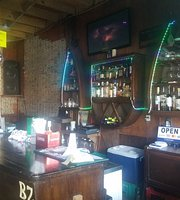 Juvinie's Sport Bar & Cevicheria