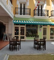 De'Aiman Cafe