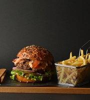 Dozzy Burger House