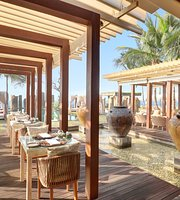 Standing Stones Restaurant and Beach Lounge