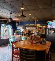Mimi K's Beachside Cafe & Market