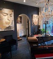 Think Jazzy Gallery, Fine Arts & Drinks