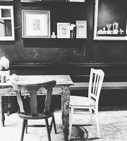 The Old Couch Cafe