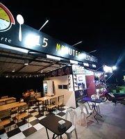15 Minutes Restaurant