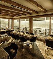 Lounge 81