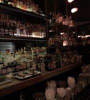 Cloarkroom Bar Montreal