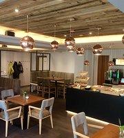 S Paul Restaurant