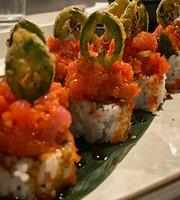 MAKS Asian Kitchen & Sushi
