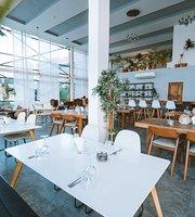 Hamu Restaurant Bar