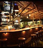 Hotel Bambu canoa