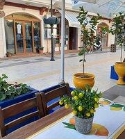 Sitrona Cafe & Bistro