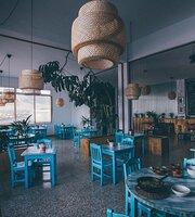 La Mar Café