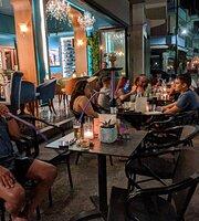 Debonair Café Bistrot