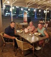 Café the Plaza