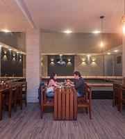 Villa Luna Brewhouse & Kitchen