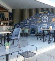 George Bistro 33 Restaurant cafe