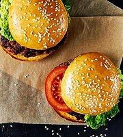 Paprika Burger & Pasta