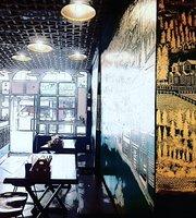 Woodstreet Cafe
