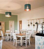 Al Nafetha Café / Restaurant