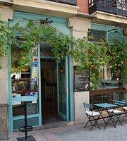 A-Z Food & Cafe