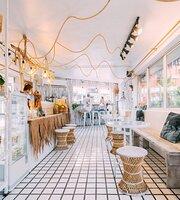 Summer Horse Cafe