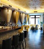Hi5h Indian Restaurant & Lounge Bar