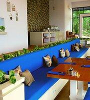 The Happinezz Hills Restaurant & Cafe