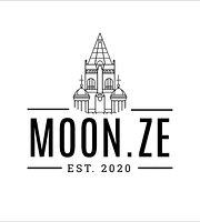 Moon.Ze
