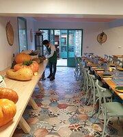 Em Boutros Le Restaurant at Al Fundok