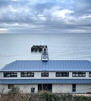 Totland Pier Cafe
