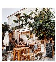 Pergamonto Bar Restaurant