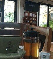 Rollaas Cafe Pojok Indrapura