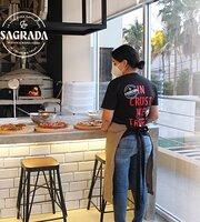 La Sagrada Pizzeria