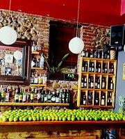 Mikro Cafe-Bar