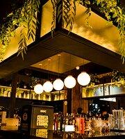 Montré Bar
