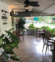 Pedro Mandinga Rum Bar & Café