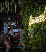 Limoncello Delicatessen & Bistro