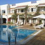 pool area - Camel Hotel