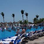 The pool at Nizuc side