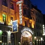Schwanthalerstrasse 15. Theater and hotel.