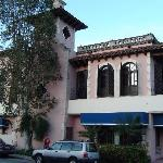 a building at Las Olas