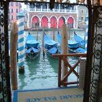 hotel entrance by Grand Canal